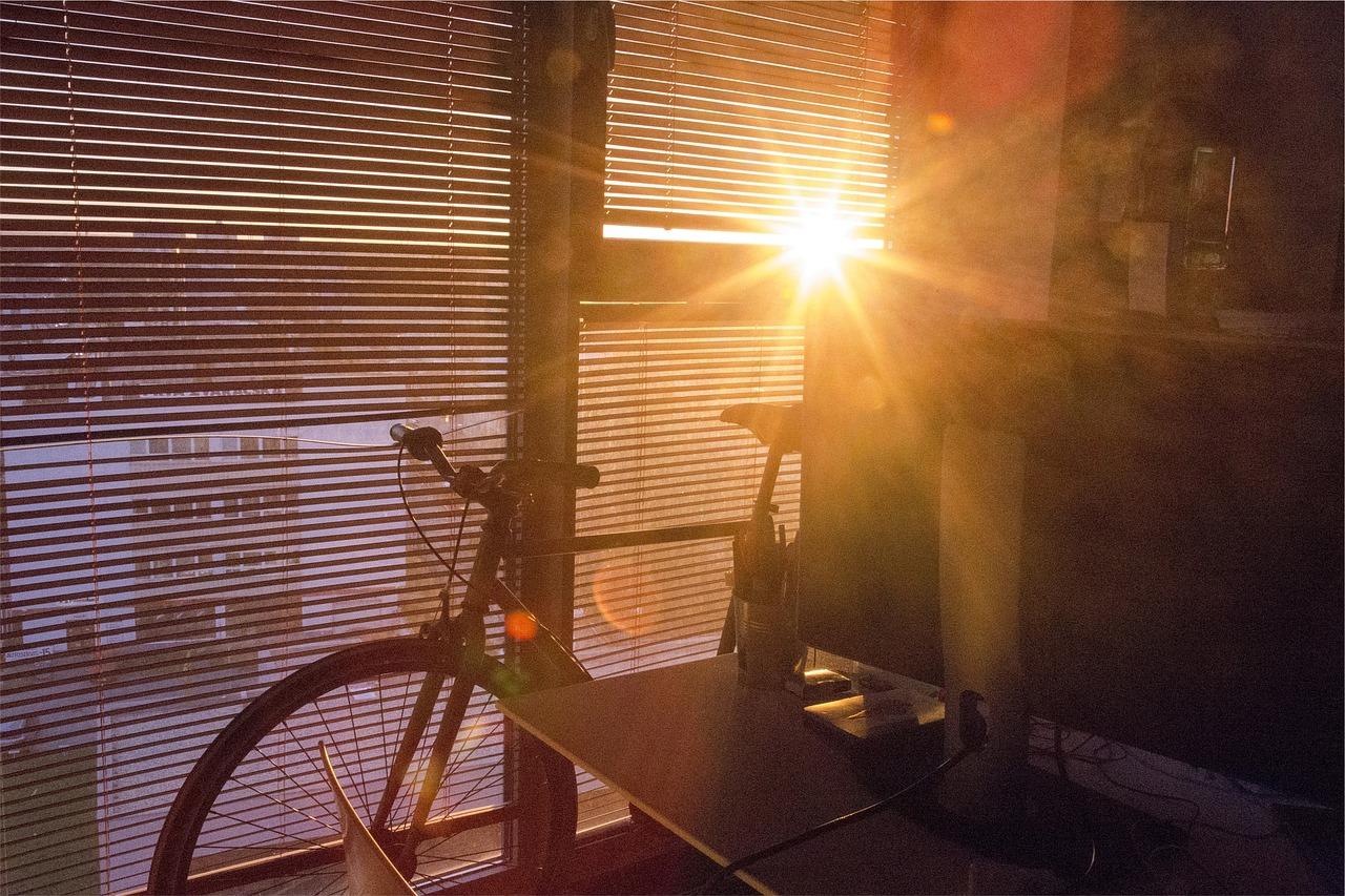 Domotique : pour relier volet roulant, interphone et variateur de lumière